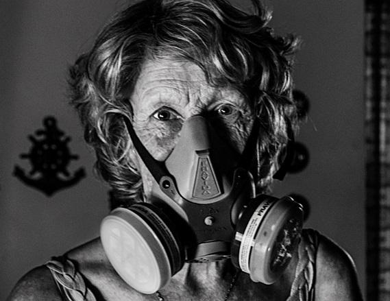 Donna Argentina Maschera Gas